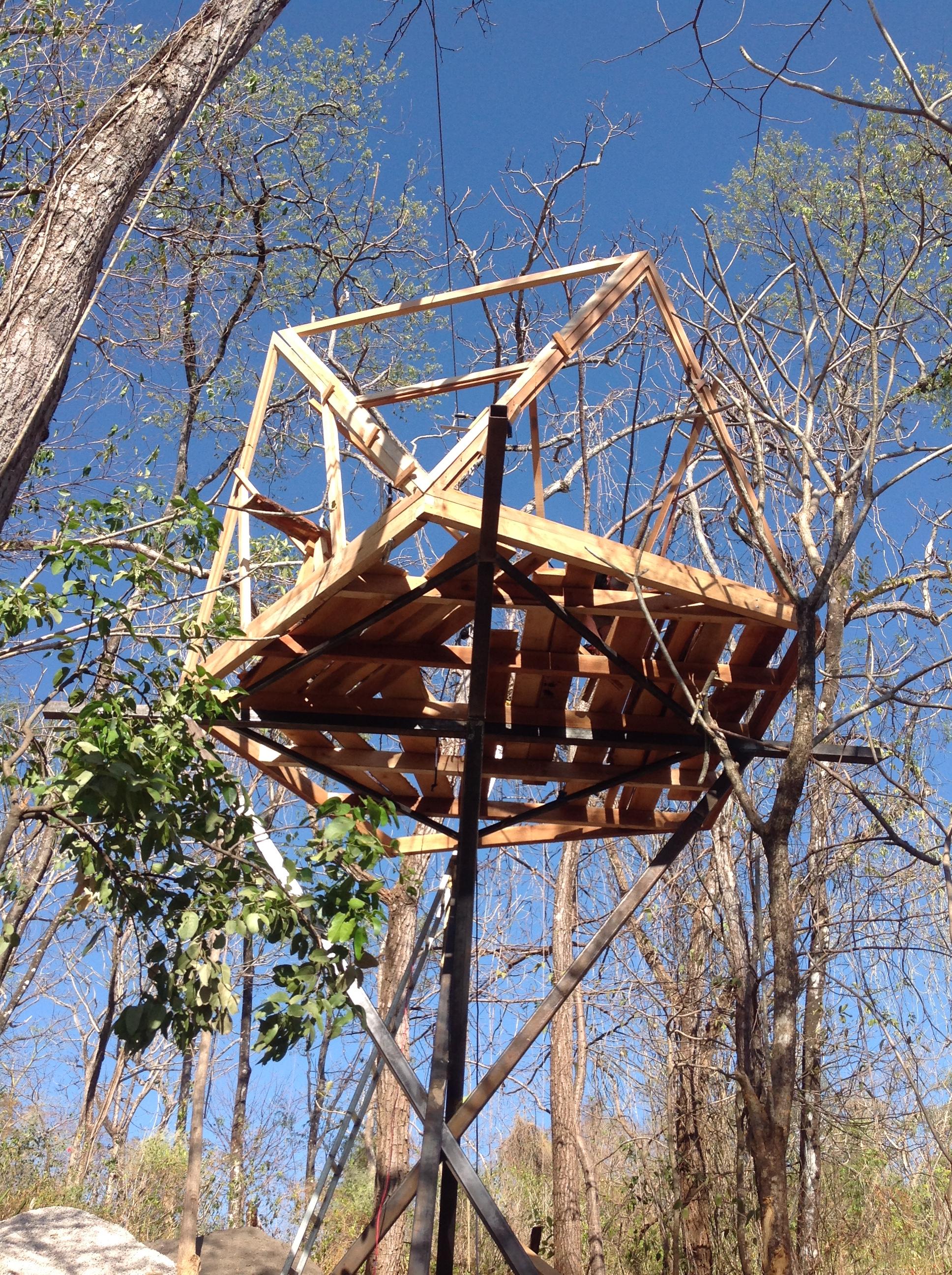 Das Baumhaus in Costa Rica nimmt Gestalt an, Foto Ina Knobloch